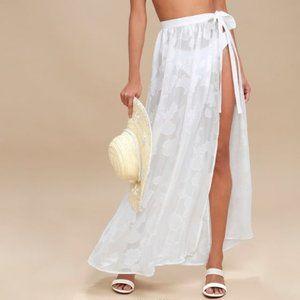 Lulu's Take the Caicos white shell maxi skirt